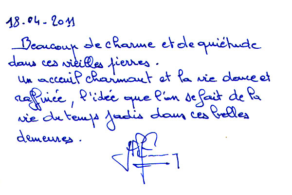 http://www.chateau-du-riau.com/wp-content/uploads/2016/05/livre-dor17.jpg