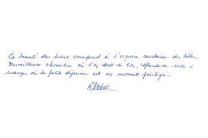 http://www.chateau-du-riau.com/wp-content/uploads/2016/05/livre-dor24-300x200.jpg