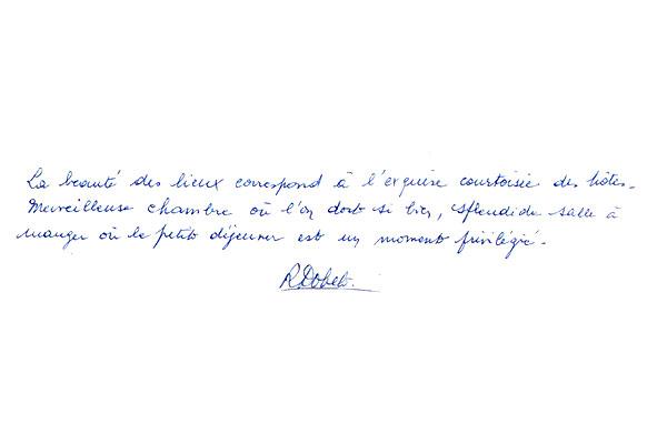 http://www.chateau-du-riau.com/wp-content/uploads/2016/05/livre-dor24.jpg