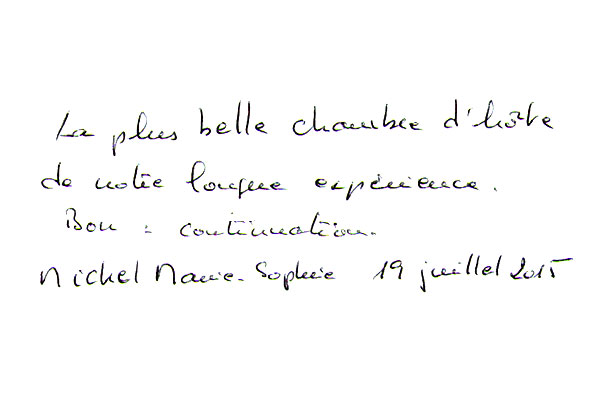 http://www.chateau-du-riau.com/wp-content/uploads/2016/05/livre-dor26.jpg