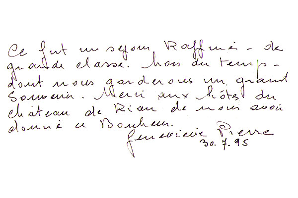 http://www.chateau-du-riau.com/wp-content/uploads/2016/05/livre-dor8.jpg